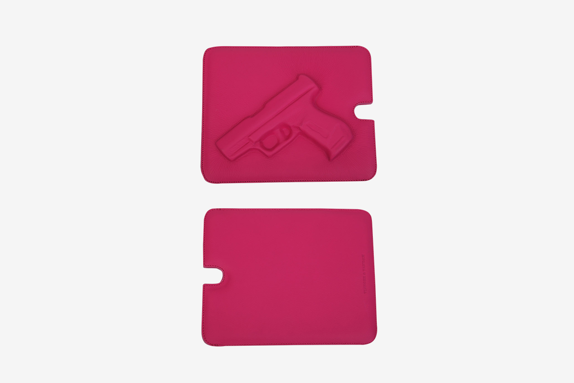 SOFTIQUE GA IPAD CASE GUN/PINK