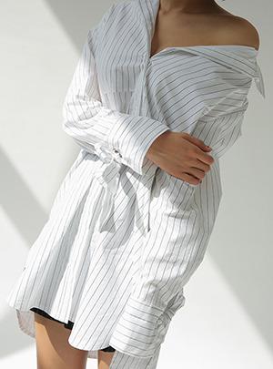 아일렛소매 라운드핏 셔츠