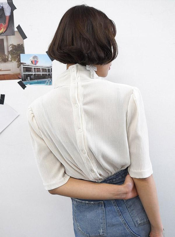 잔잔히 흐르는 하프 blouse