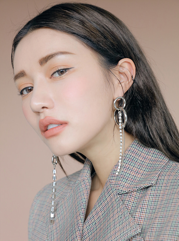 Cubic Collabo unbalance drop earring